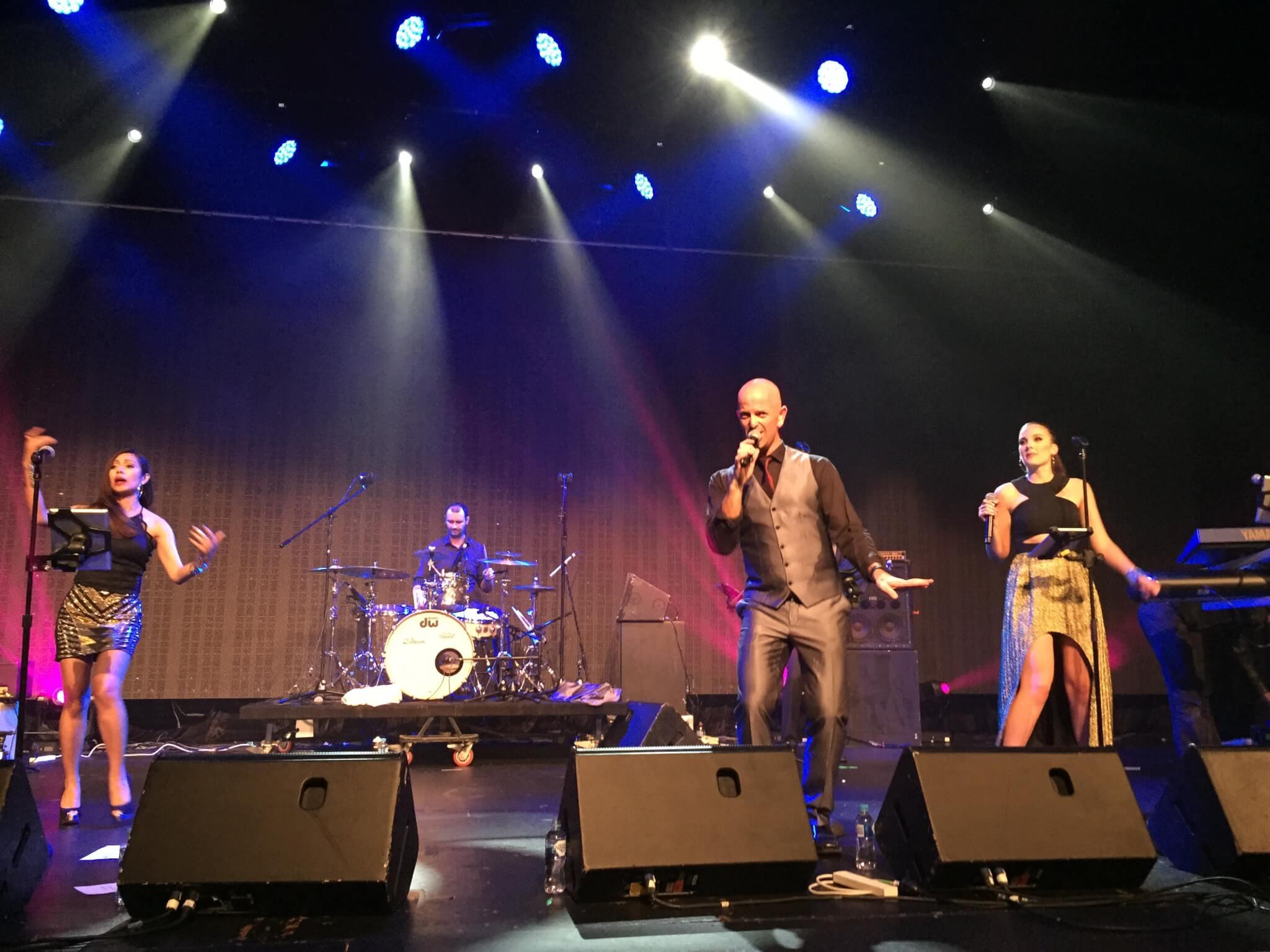 Chunky Jam support Veronicas & Darryl Braithwaite